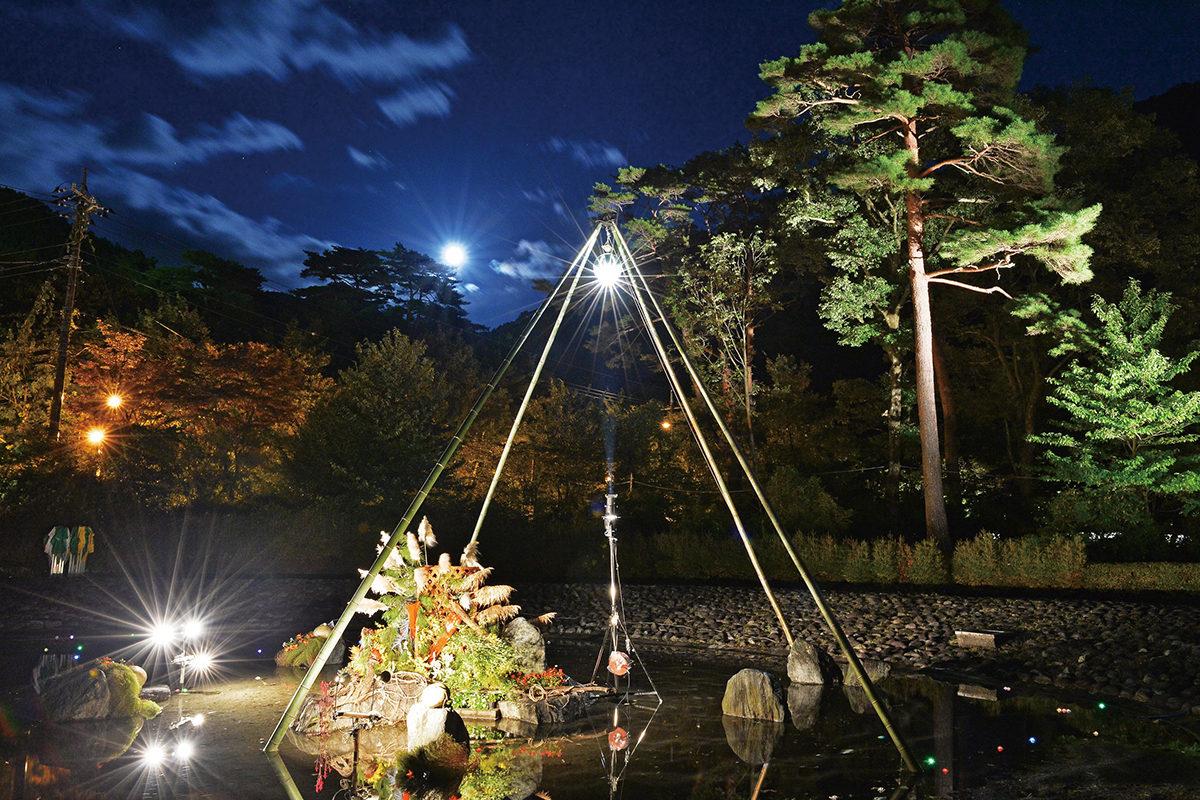 鬼怒川の月