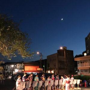 湯郷温泉にのぼる月